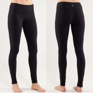 Black LuLu leggings